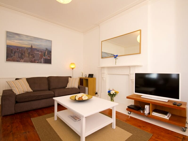 House 95 Front Lounge